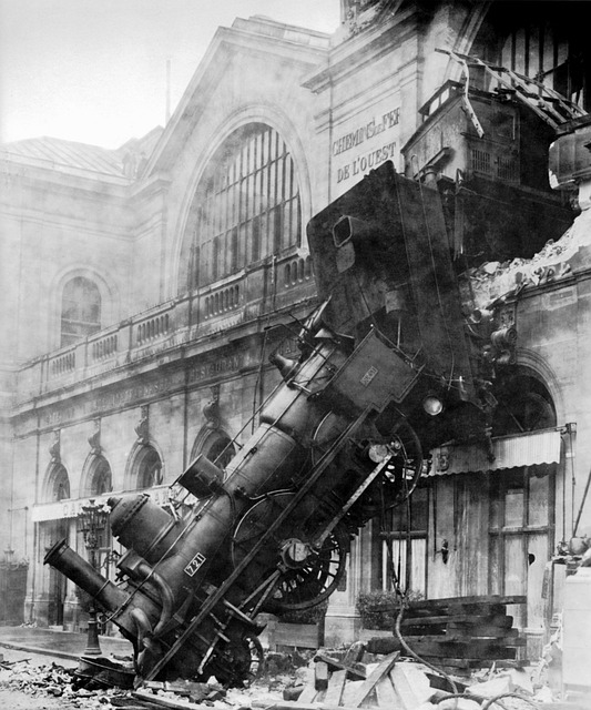 train-wreck-67775_640.jpg