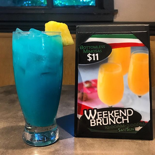 Sunday Funday 😝🍾🎉 • • •  #brunch #bestof417 #bottomlessmimosas #italian #buffet