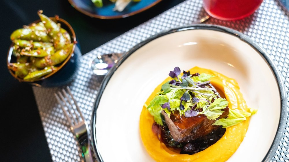seawh-restaurant-bar-7958-hor-wide.jpg