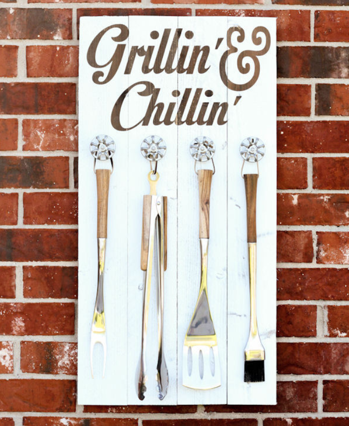 Cricut Summer Project Grillin and Chillin Utensil Holder.png