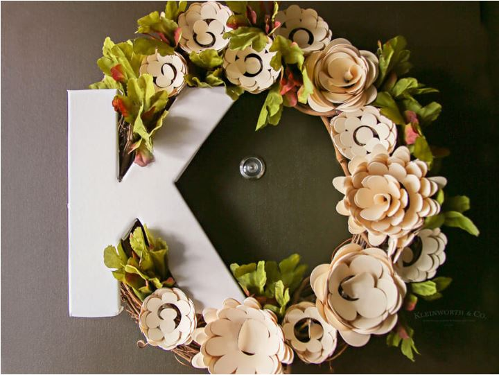 Best Cricut Projects-floral wreath- kleinworthco.JPG
