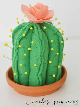 Best Cricut Projects-felt cactus fin cushion-amber simmons.JPG