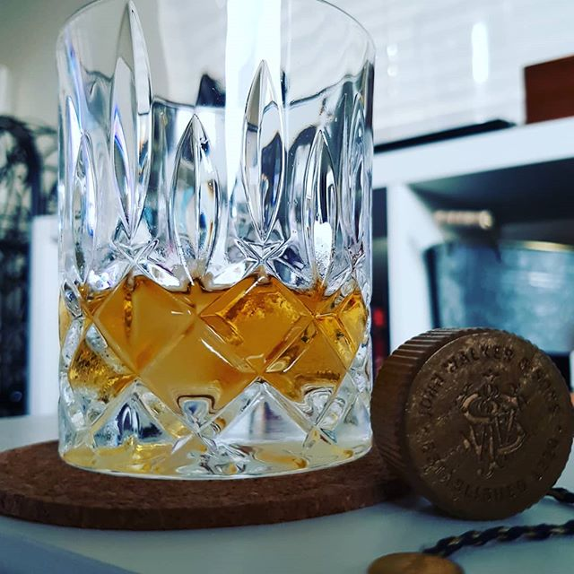 Kicking back with a smokey christmas drop. Hope you and yours have had a great Christmas & New Years. Happy 2019 folks, it's going to be a good one. . . . . . . . . #johnnywalker #bluelabel #whisky #whiskey #whiskyporn #cheers #2019 #