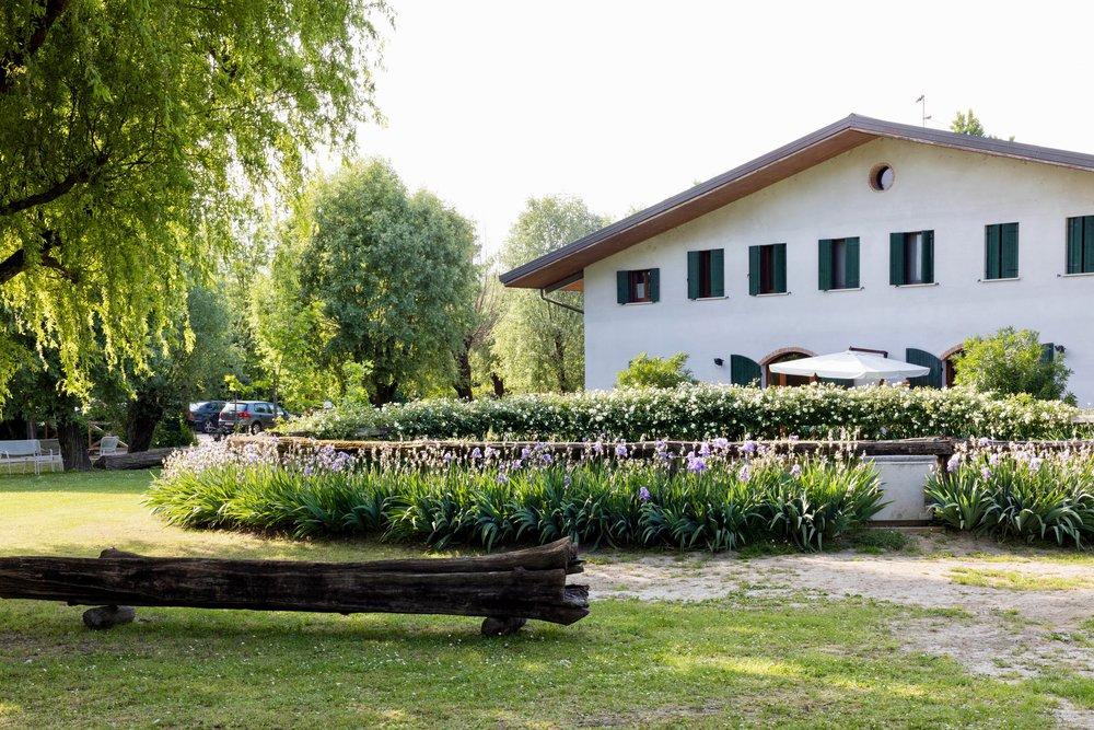 Agriturismo Il Bosco   A pochi passi dal centro, immersi nella natura.