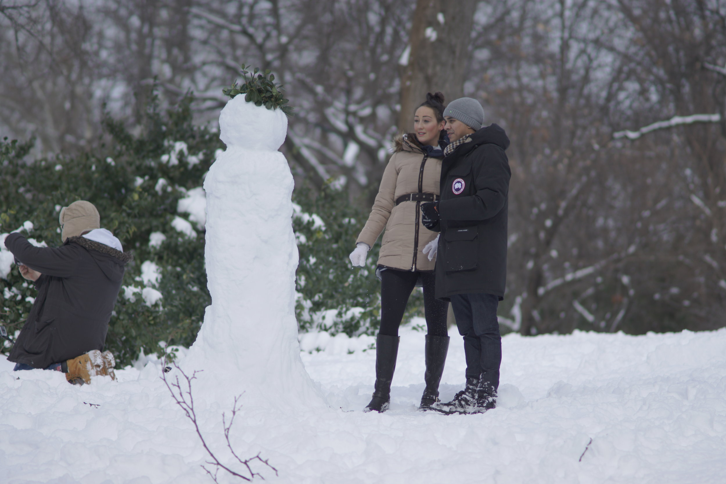 Evaluating Snowman | Central Park | Sony A6000, Canon FD 135mm 2.8