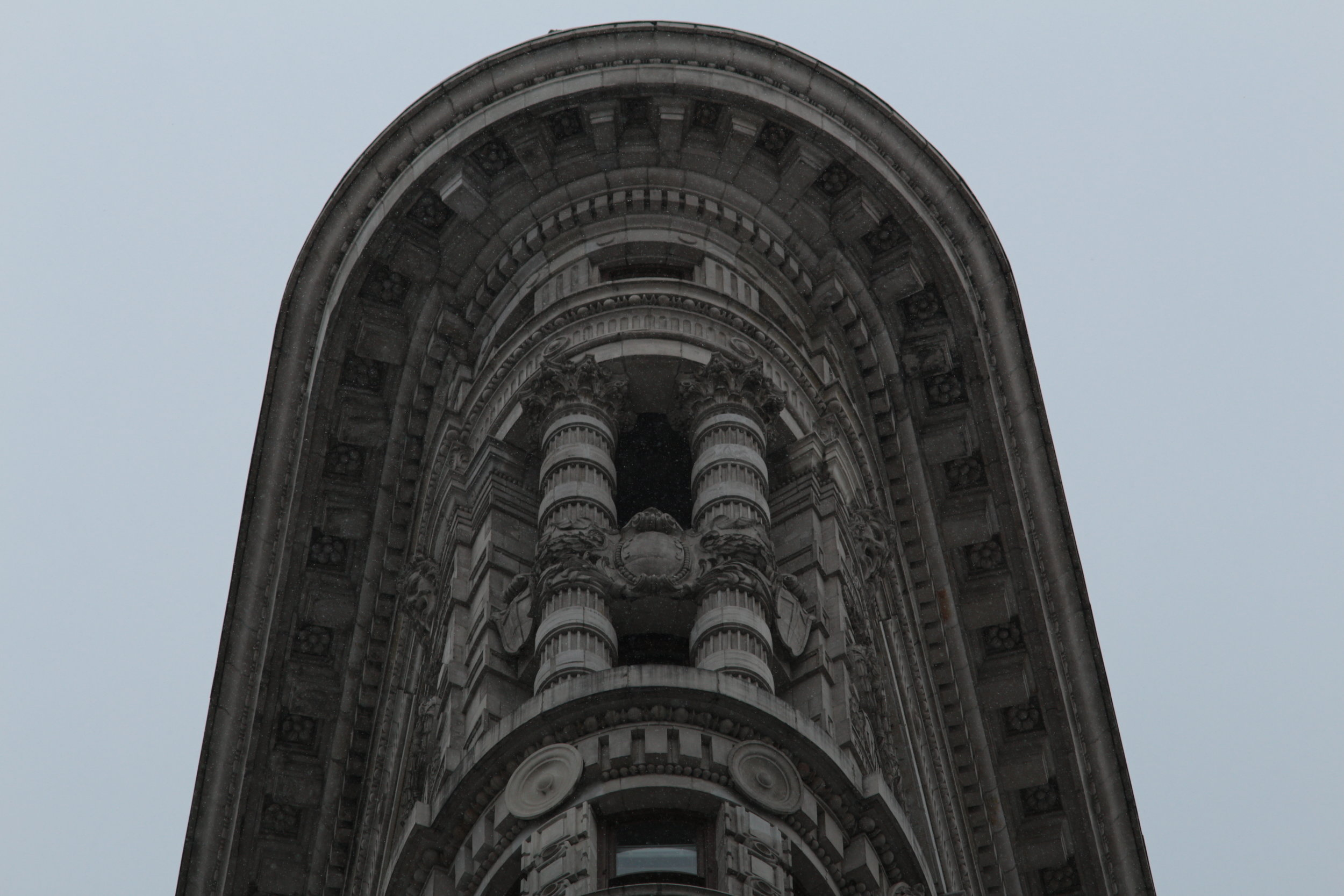 Light Snowfall on 175 Fifth Avenue | Flatiron Building | Canon EOS M, Canon FD 135mm 2.8