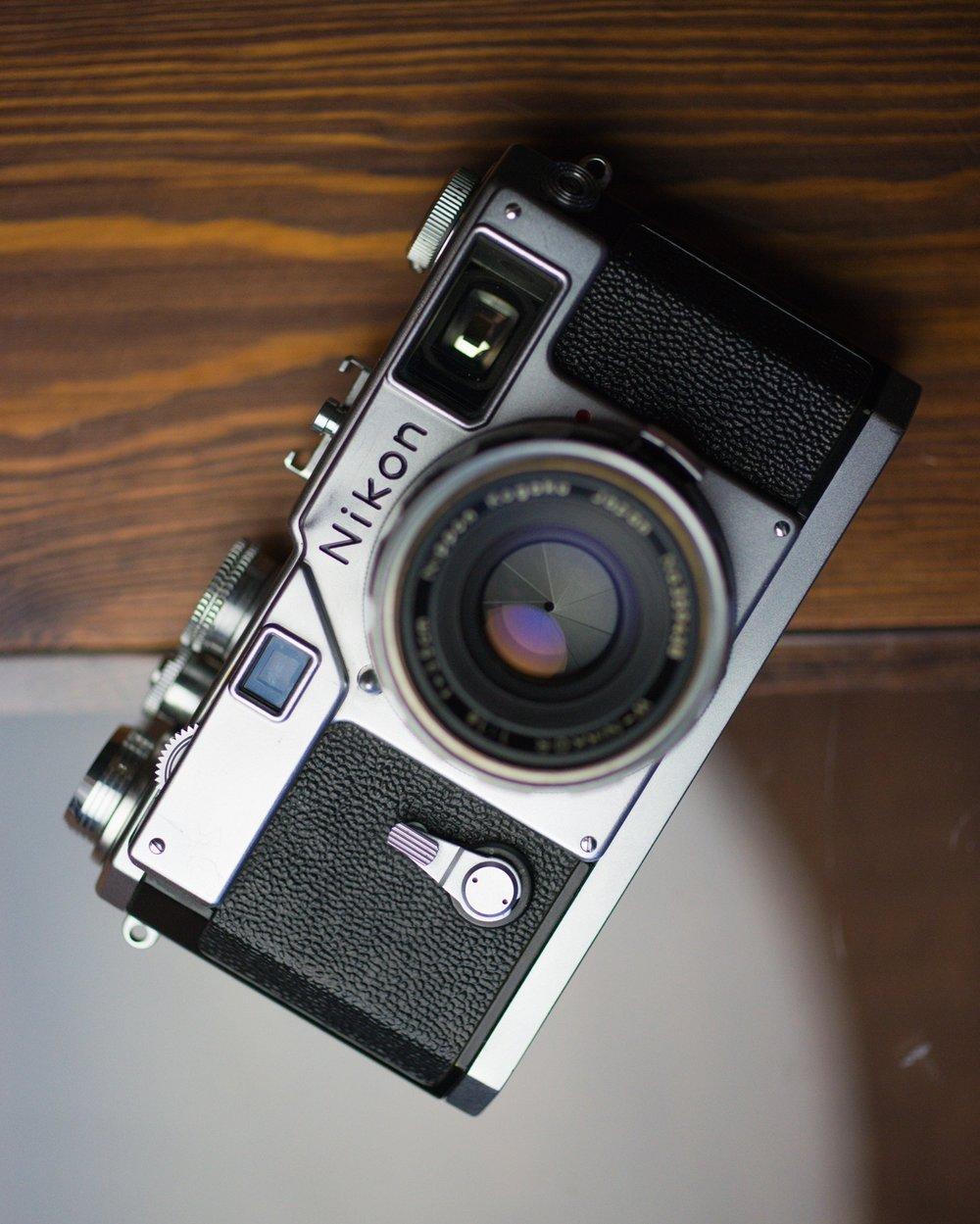 Nikon S 4 (1).jpg