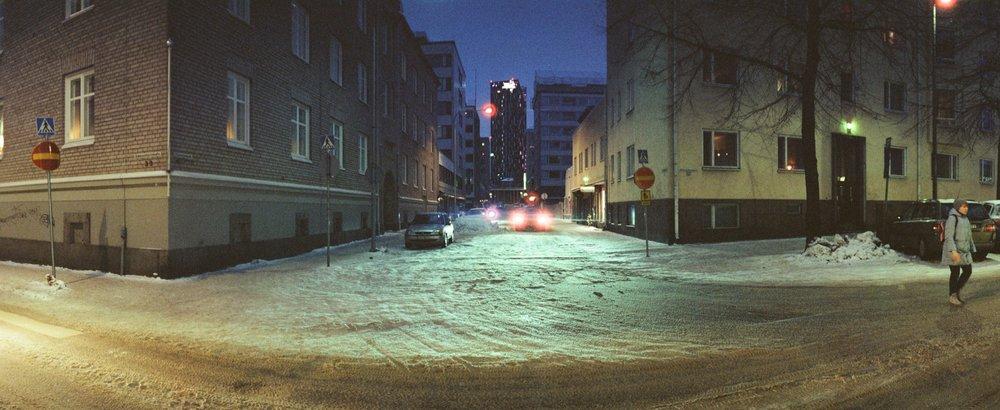 cameraville_horizon_202_panoramic_35mm_tampere_cineStill800_6.jpg