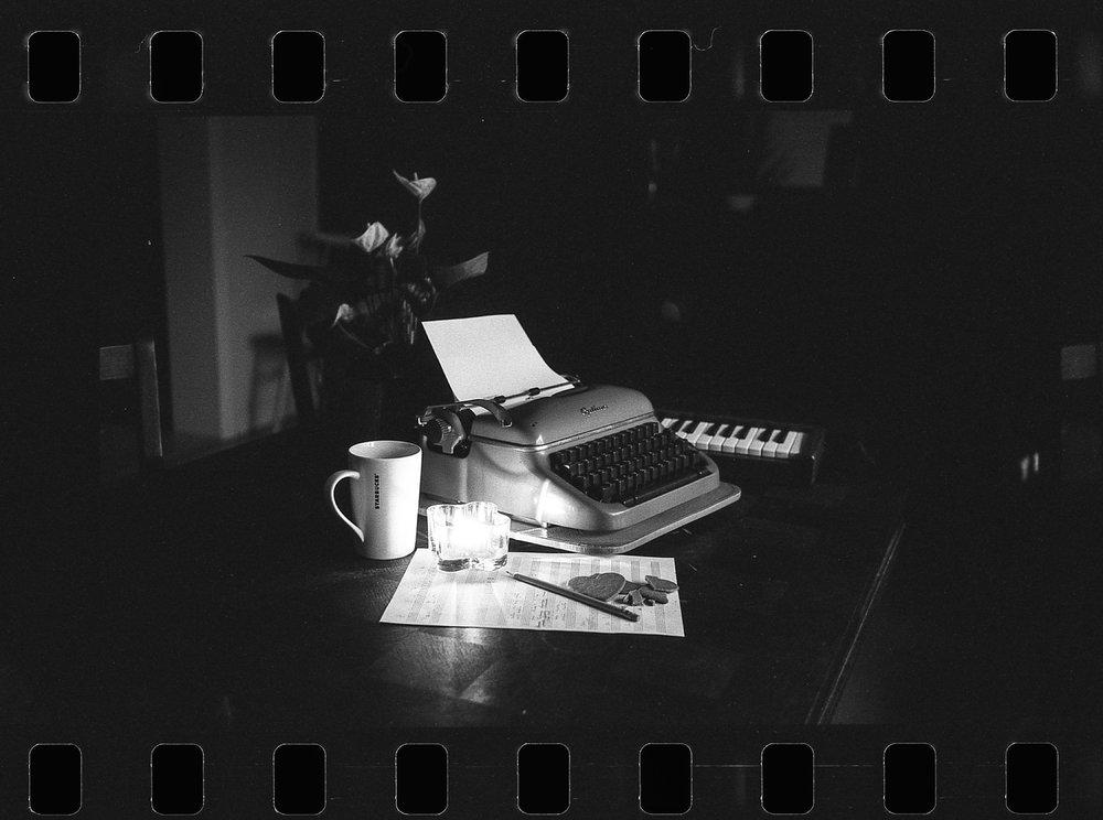 santa_1000_new_black_and_white_film_35mm_20.jpeg