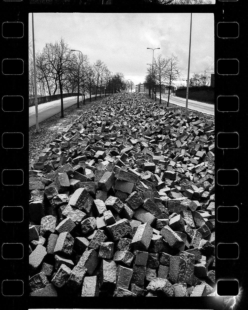 santa_1000_new_black_and_white_film_35mm_1.jpeg