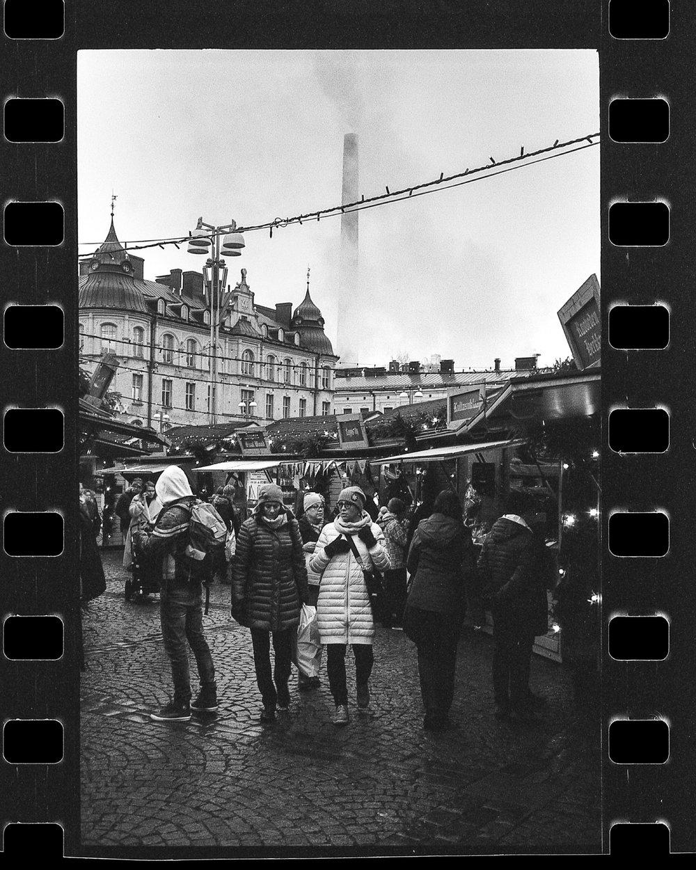 santa_1000_new_black_and_white_film_35mm_9.jpg