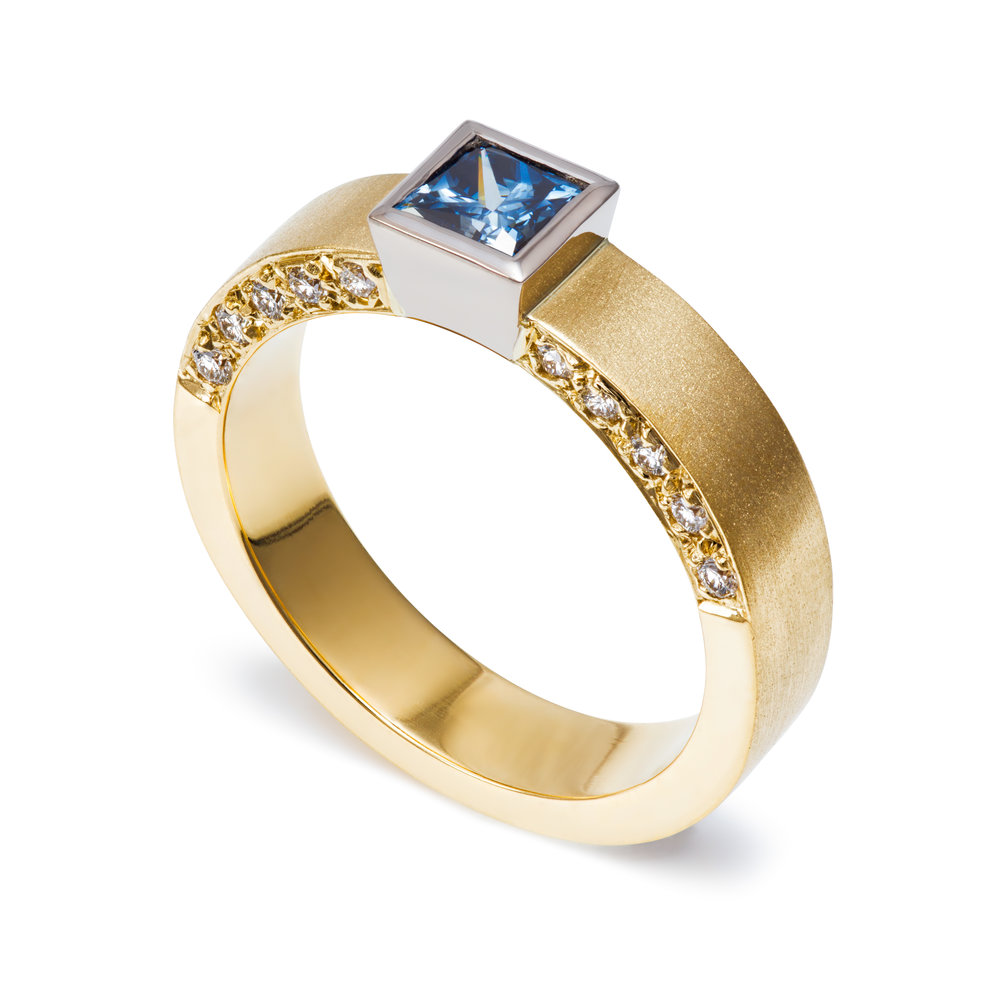 Bespoke 18ct yellow gold, blue diamond and round brilliant cut diamond ring commission