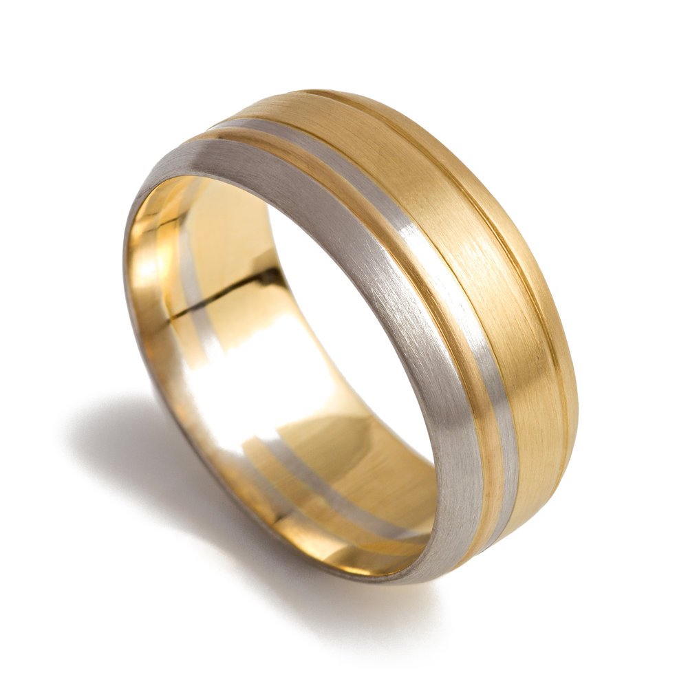 18ct yellow gold and platinum wedding band - £2,382