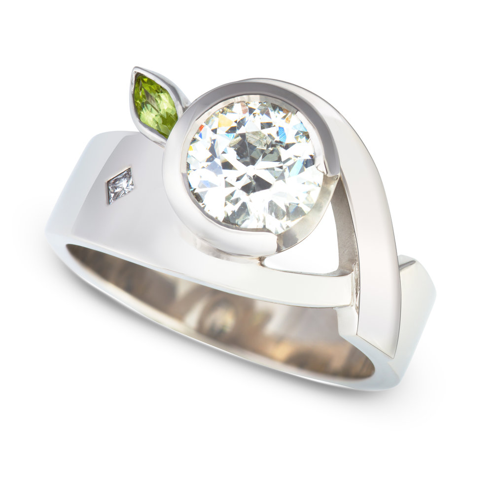 Bespoke palladium, diamond and peridot ring commission