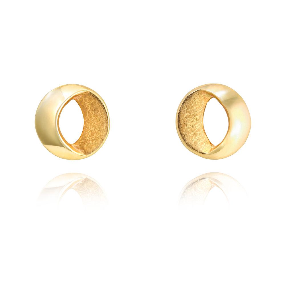 9ct yellow gold stud earrings - £735