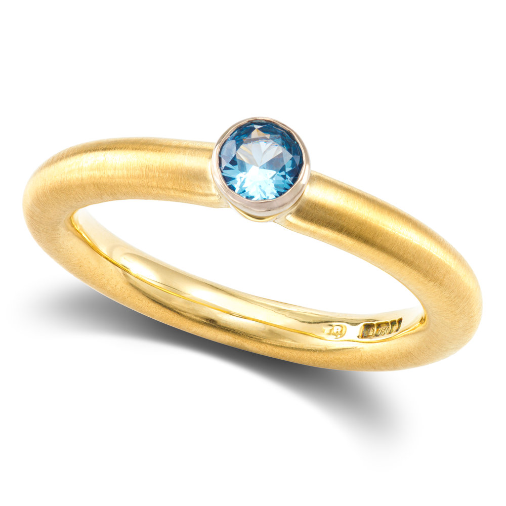 18ct yellow gold & lab created spinel ring £1,070