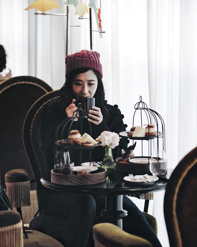 Back at home now and no longer out of office as of tomorrow 😩⠀ ⠀ This was how I spent my birthday last week, at the Salon @lescape_hotel in Seoul for afternoon tea. Such a beautifully luxe hotel, I highly recommend a visit. ⠀ ⠀ And as you know I do enjoy a good countdown - now with travels done and dusted, the clock is ticking down for Christmas 🎄. How are we all going with Christmas shopping? And curious to know, how many of you gift your colleagues at work??? ⠀ .⠀ .⠀ .⠀ .⠀ .⠀ .⠀ .⠀ #fblogger #stylediaries #outfitgoals #petitefashion #petitestyling #fashionobsessed #mystyle #fashioninspo #fashionaddict #classicoutfit #australianblogger #fashionblogger #outfitpost #styleinfluencer #fashiondiaries #fashiondetails #glamstyle #outfitideas #bloggergram #womensfashion #lookoftheday #hightea #afternoontea #lescapehotel #christmas