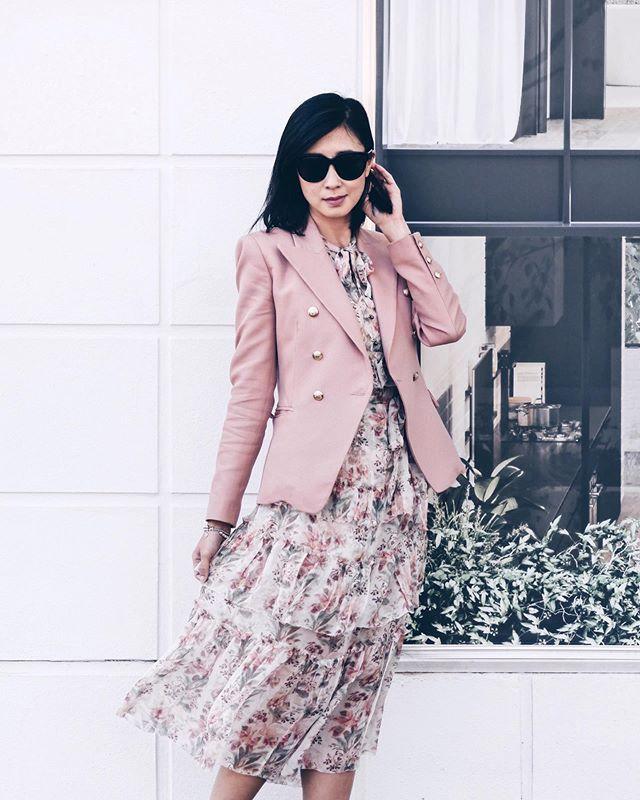 Zimmermann on a workday to bring down the cost per wear 😂🥂⠀ .⠀ .⠀ .⠀ .⠀ .⠀ .⠀ #styleblog #styleblogger #sustainablefashion #lifestyle #discoverunder10k #igersmelbourne #stylepost #lifestylephoography #melbournelife #ausblogger #bloggerlife #bloggerau #bloggerstyle #discoverunder100k #instagramthings #australianstyle #aussiestyle #sydneylocal #melbournelocal #camillaandmarc #zimmermann #zimmermanndress #discoverunder20k