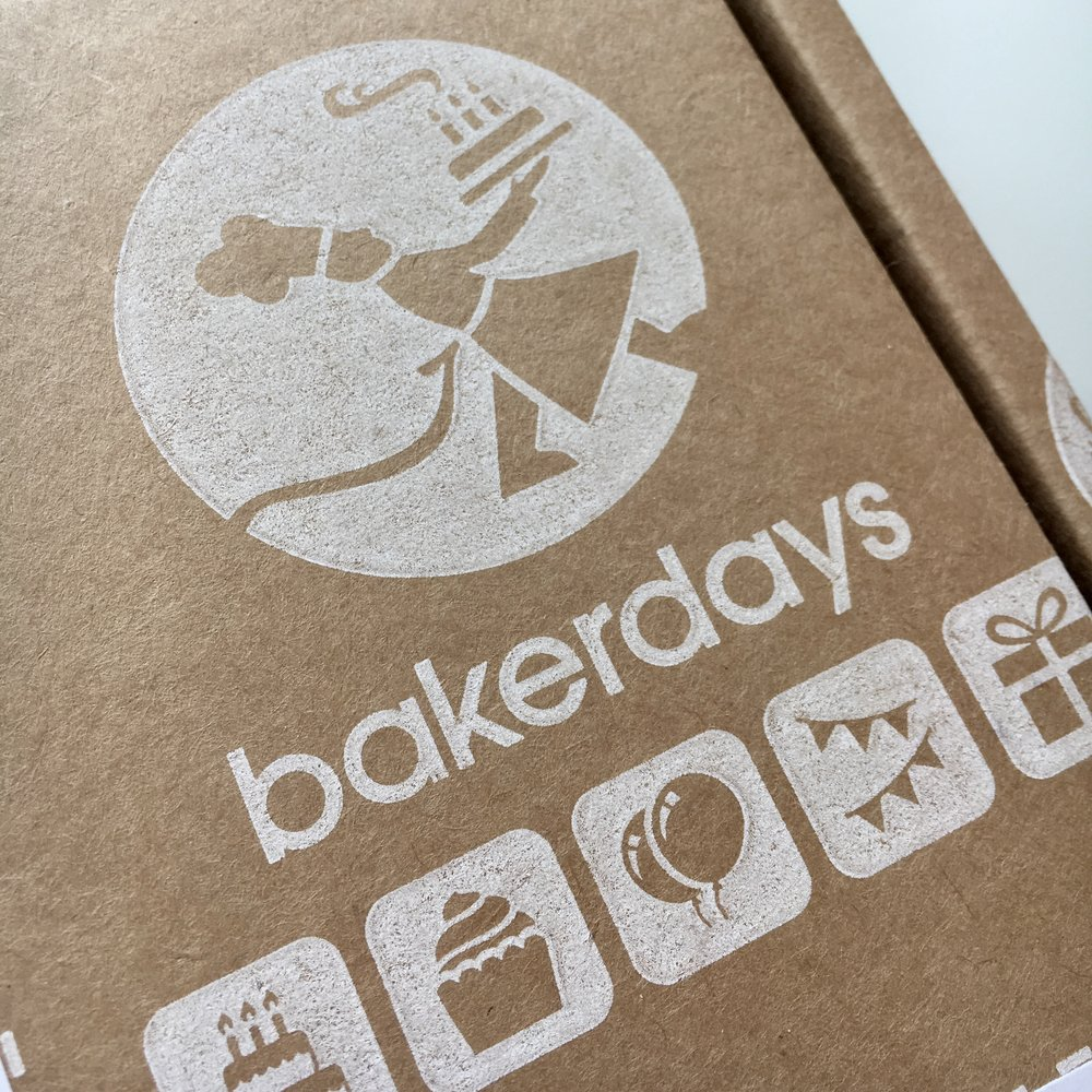Bakerdays cake review - box
