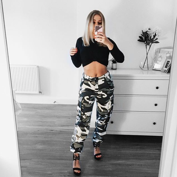 Top -  Missguided  Trousers -  Missguided