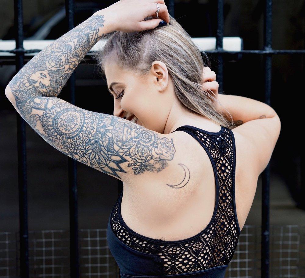 fitness fashion blogger