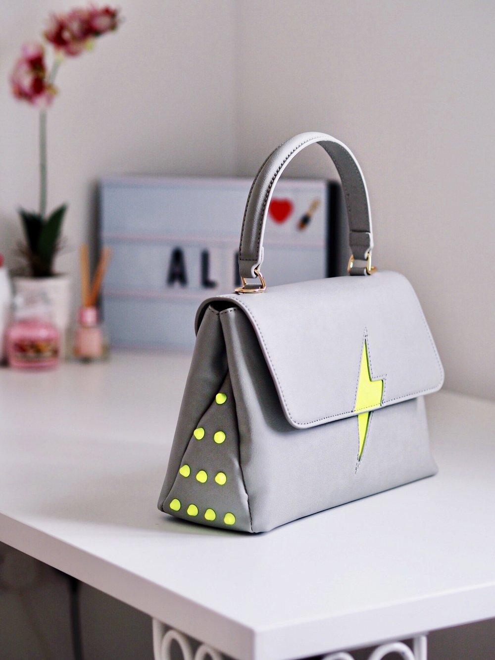 pauls boutique bag blogger review