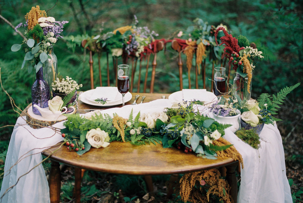 Tuck-Everlasting-Tablescape-0005.jpg