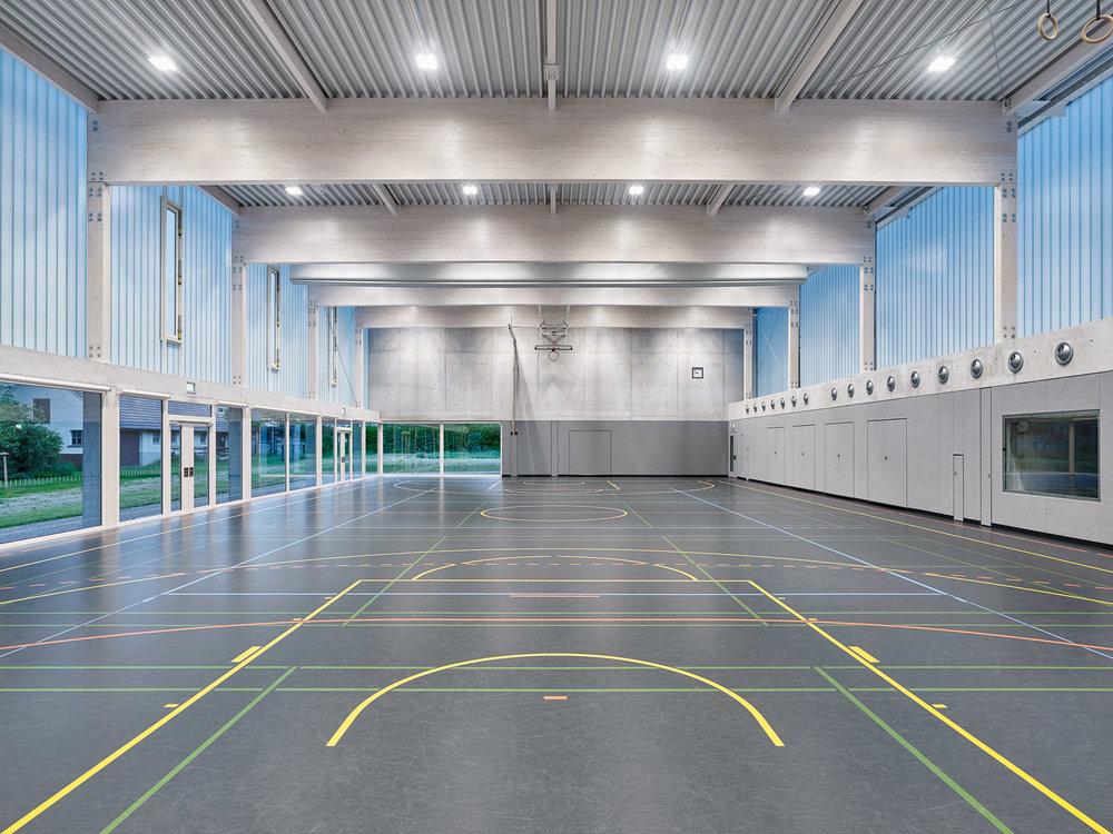 021-Sporthalle-Nabern_innen_006.jpg