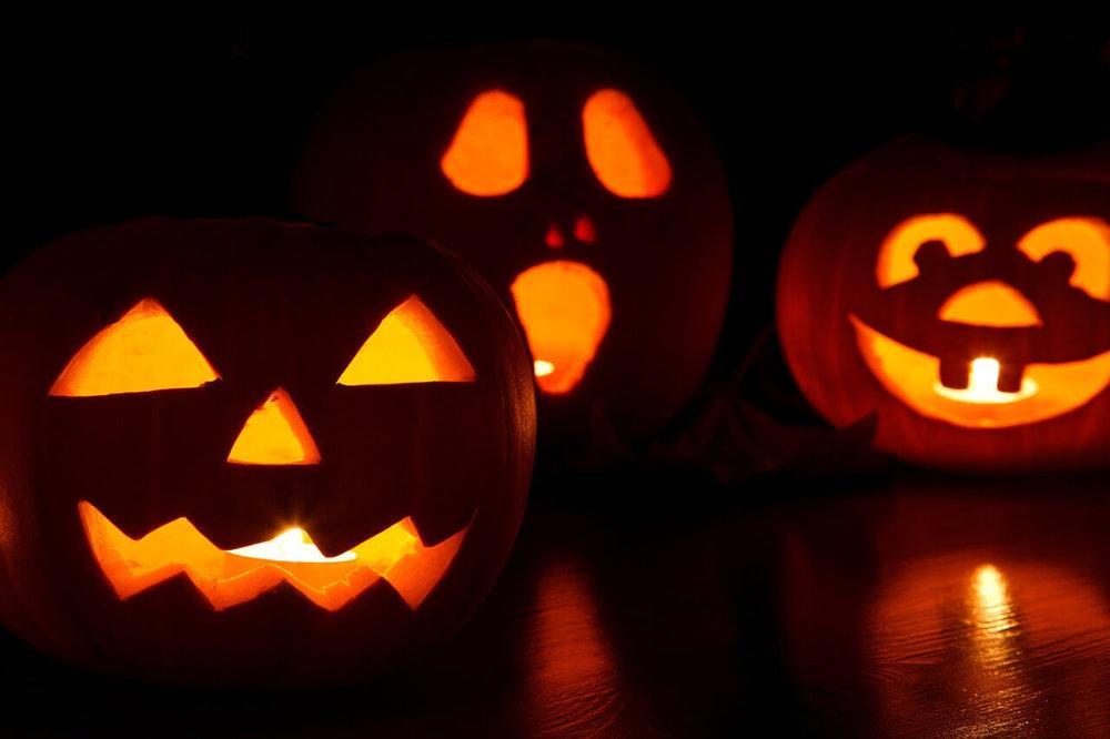 Extreme-Halloween-Pumpkin-Carving.jpg