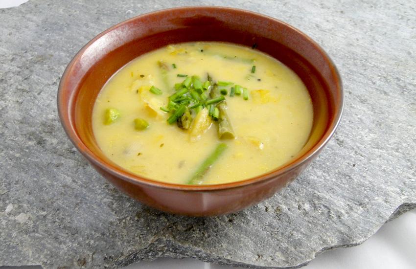 Creamy Asparagus Potato Soup -