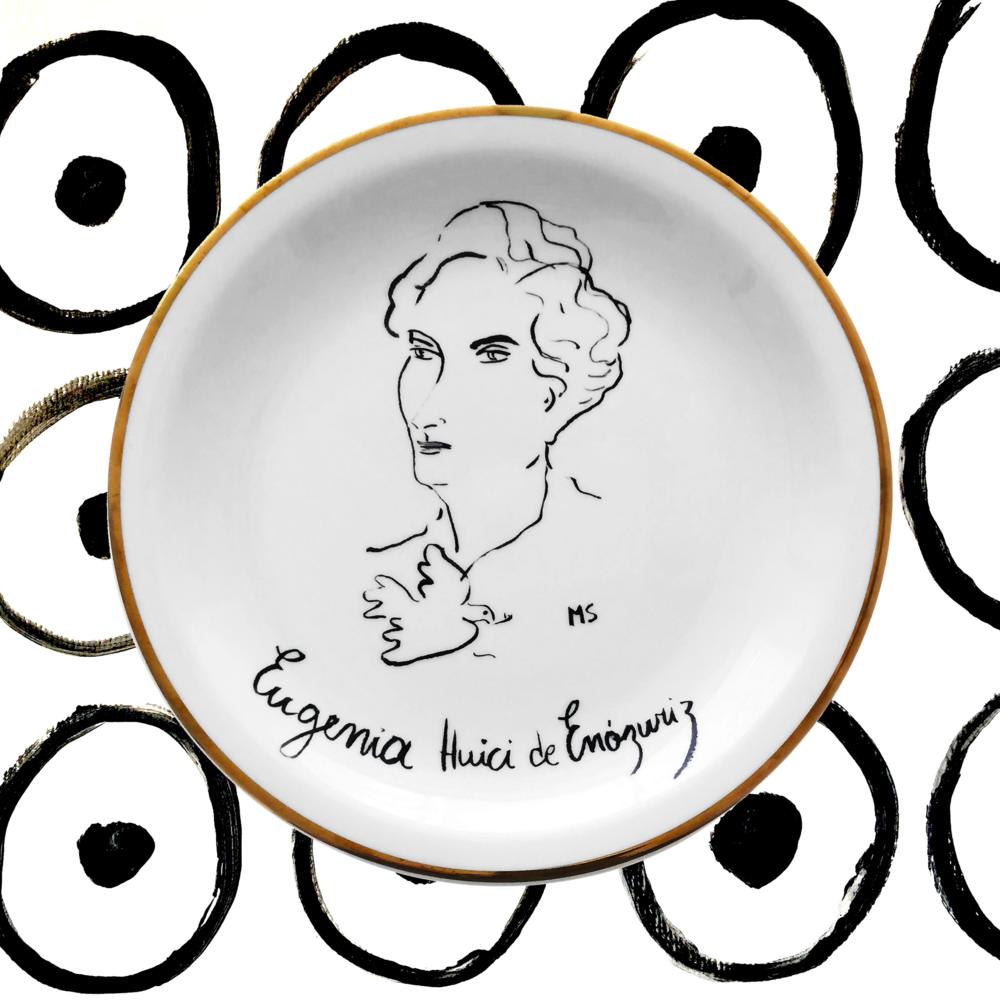 Eugenia Huici de Errázuriz - Retratada por John Singer Sargent y amiga cercana de Picasso, Stravinsky, Cocteau y Coco Chanel, Eugenia Huici de Errázuriz es considerada una de las patronas más influyentes del modernismo y el minimalismo del siglo XX.