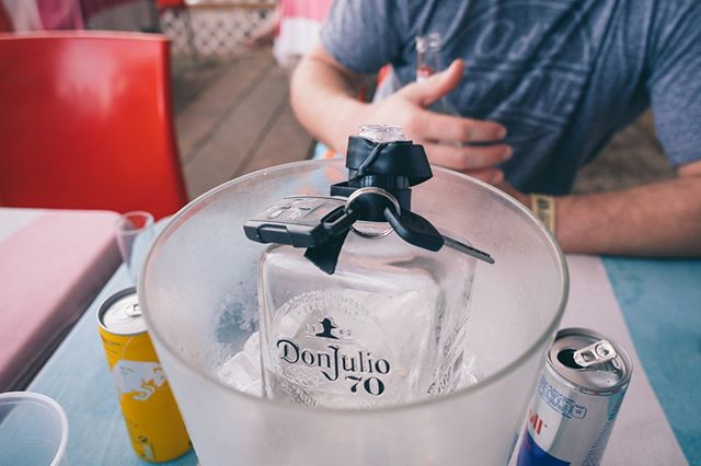 When in doubt, look for the tequila. . . . .  #dontdrinkanddrive #tequila #drinks #mexican #tagafriend #worldclass #donjulio1942 #donjulio #nightlife #celebrate #alcohol #drinkup #mixologist #thirsty #traveler  #mexico #loscabos #cabosanlucas #baewatch #springbreak #beachlife #baewatchcabo #vacationmode