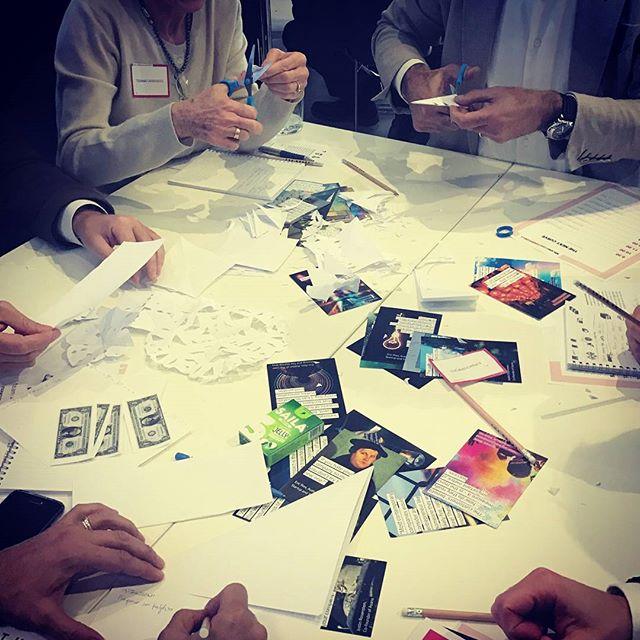 """""""Anche una domanda ben strutturata è un prototipo. Prototipare serve per ricevere feedback dal mercato."""" (@cassarinoirene) . #seriousgame #tnc #fiocchidineve #snowflakes #thenextcurve #TheDoers #thedoersintrasferta #LeanStartup #leaninnovation #lean #innovation #innovazione"""