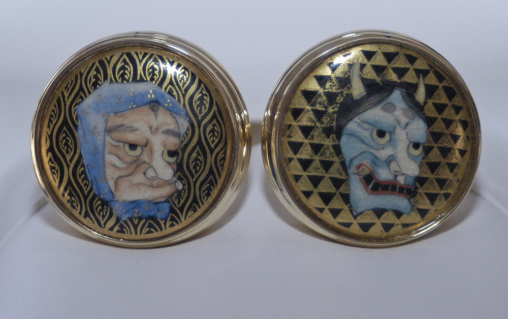 NohMasks_2Masks_Goldpattern_Solid Bezel_Links.jpg