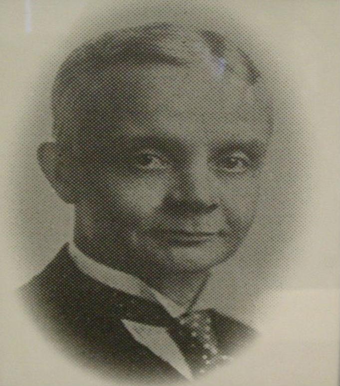 H. D. BROWN 1925 - 1929