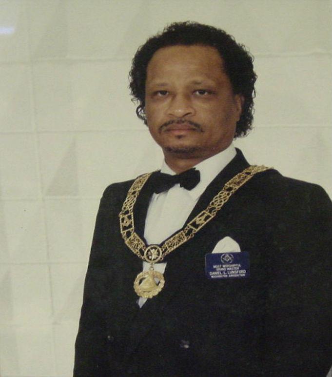 DANIEL L. LUNSFORD 1990 - 1993