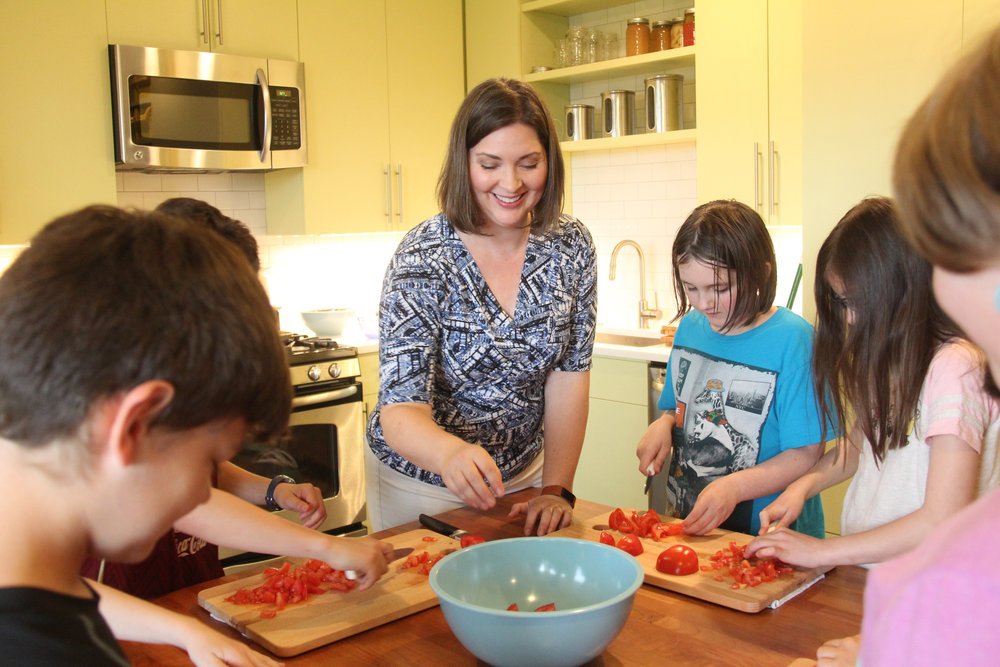 - Welcome to Kitchen Explorers! We bring fun and educational baking classes to after school enrichment programs at schools around Seattle. If you are interested in scheduling classes at your school contact us for availability and pricing.To see our classes in action you can find us on social media at Instagram.com/kitchenexplorers