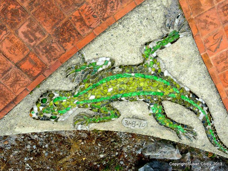 Mosaic gecko