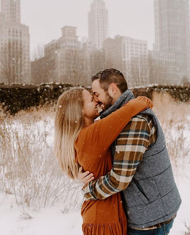 "Jilian and Brayden are getting married in August at @patriotgolf and I'm so excited that we will be there to capture the first day of their new life as married peeps! .. Fun Fact: They met at a karaoke bar 🎤and sang ""Pictures"" as a duet together.😍😁 .. They live in Chicago now and I looove this photo of them with the snowy city as a backdrop. 📸 by @marissakellyphotography .. Thank you for choosing us Jill and Brayden! .. #oklahomavideographer #tulsaweddings #okcweddings #lesleelaytonfilms #GoingPrough"