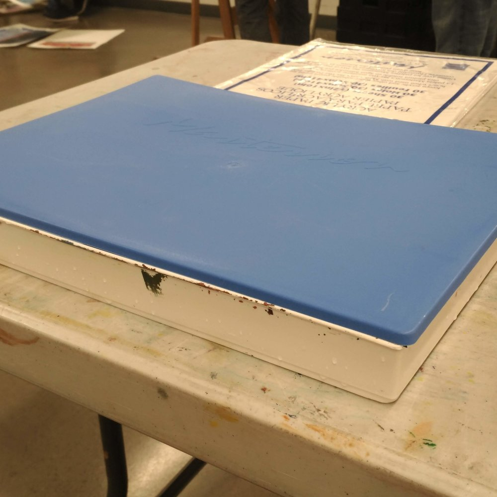 Butcher tray with lid