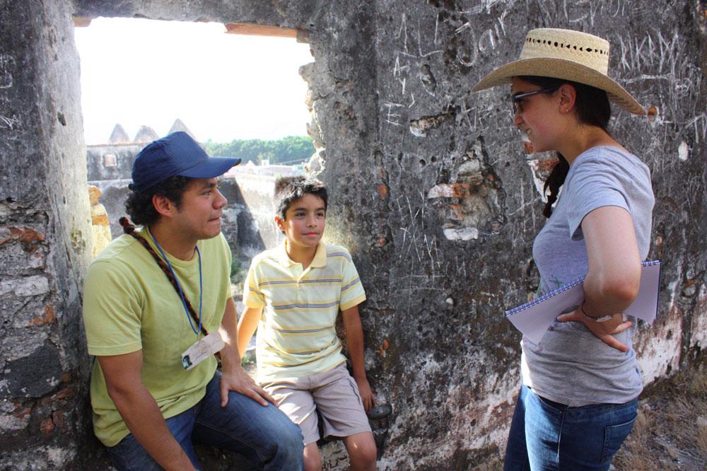 La directora Irene Melis y los actores de  Hacia Asia .