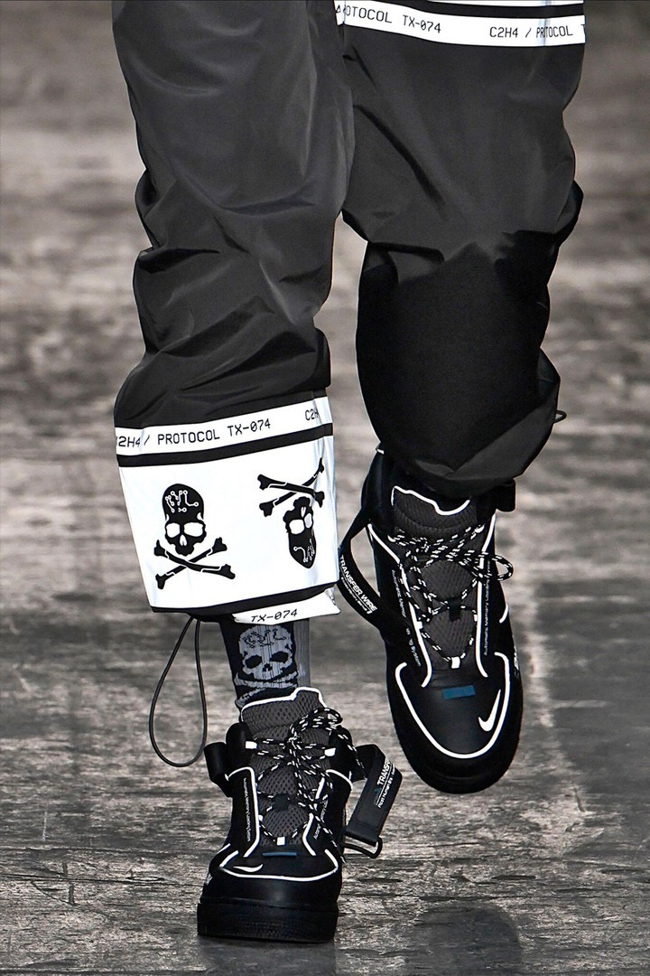 1. THE C2H4 X NIKE X MASTERMIND JAPAN COLLAB - LA based brand C2H4 showcased their collaboration with Nike & Mastermind Japan. Can we just appreciate those Air Force 1s?!