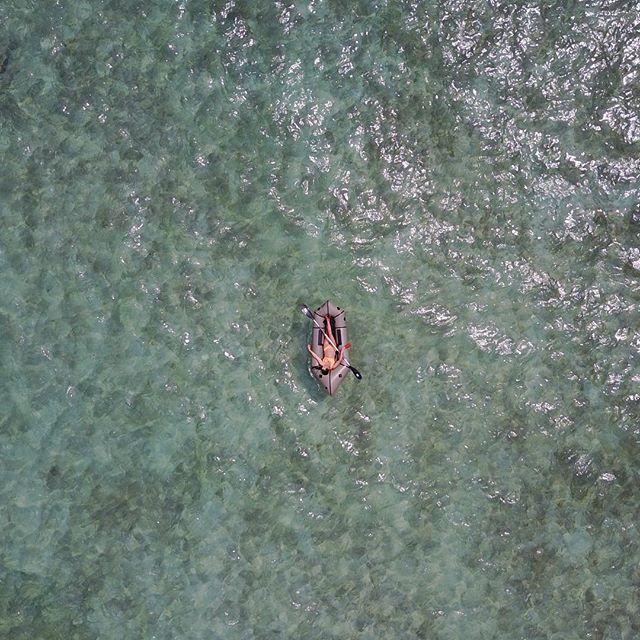 Don't think, float 🛶 . . #ourdailyplanet #kokopellipackraft #packrafting #colombia #ocean #kayak #knowyourraft #thetoolforadventure #thewaytoadventure #roamtheplanet #camptrend #adventureenthusiasts
