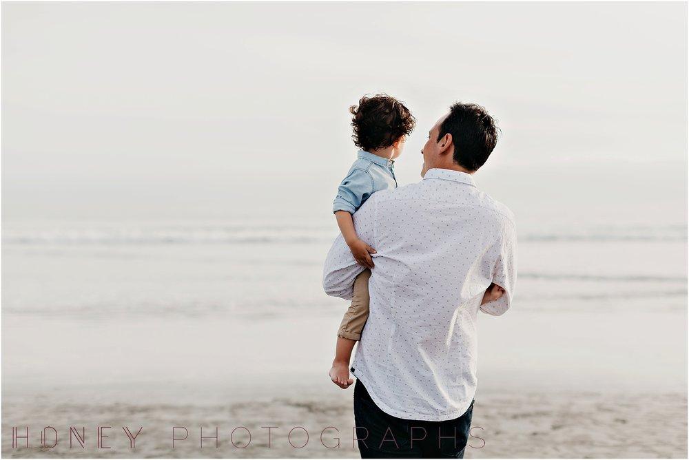 coronado-family-beach-san-diego-portraits10.jpg