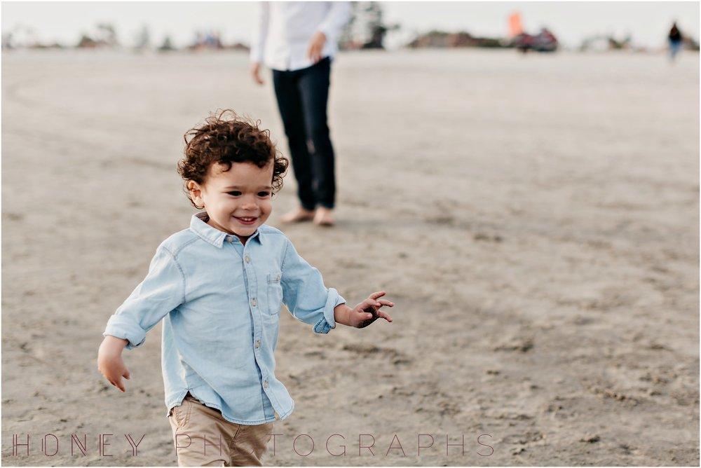 coronado-family-beach-san-diego-portraits16.jpg