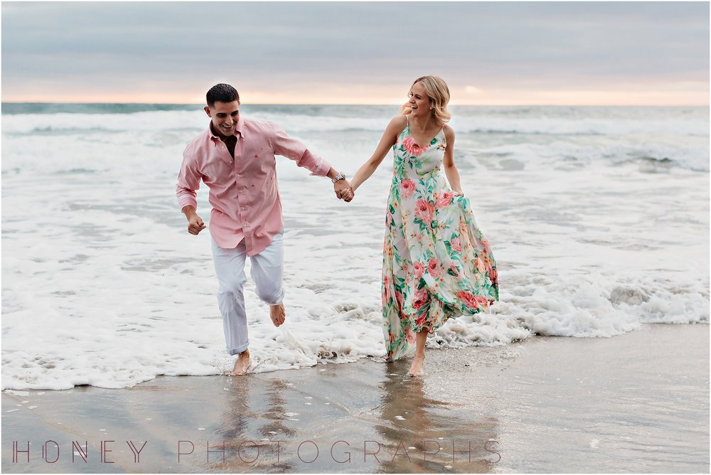la-jolla-beach-scripps-pier-engagement22.jpg