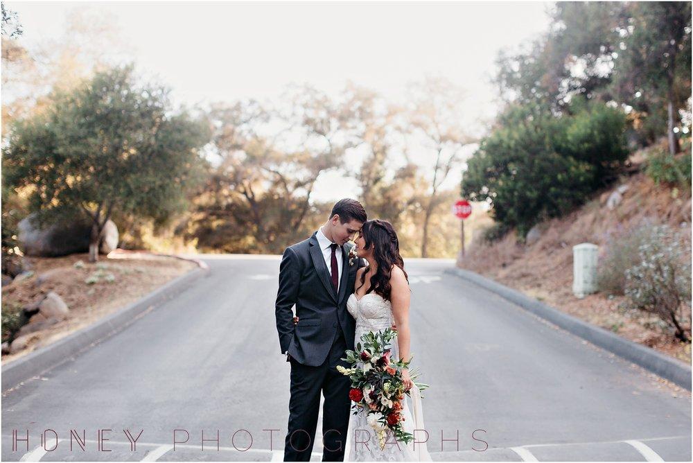 picnic-wedding-rustic-sweetheart-table-felicita-park-boho16.jpg