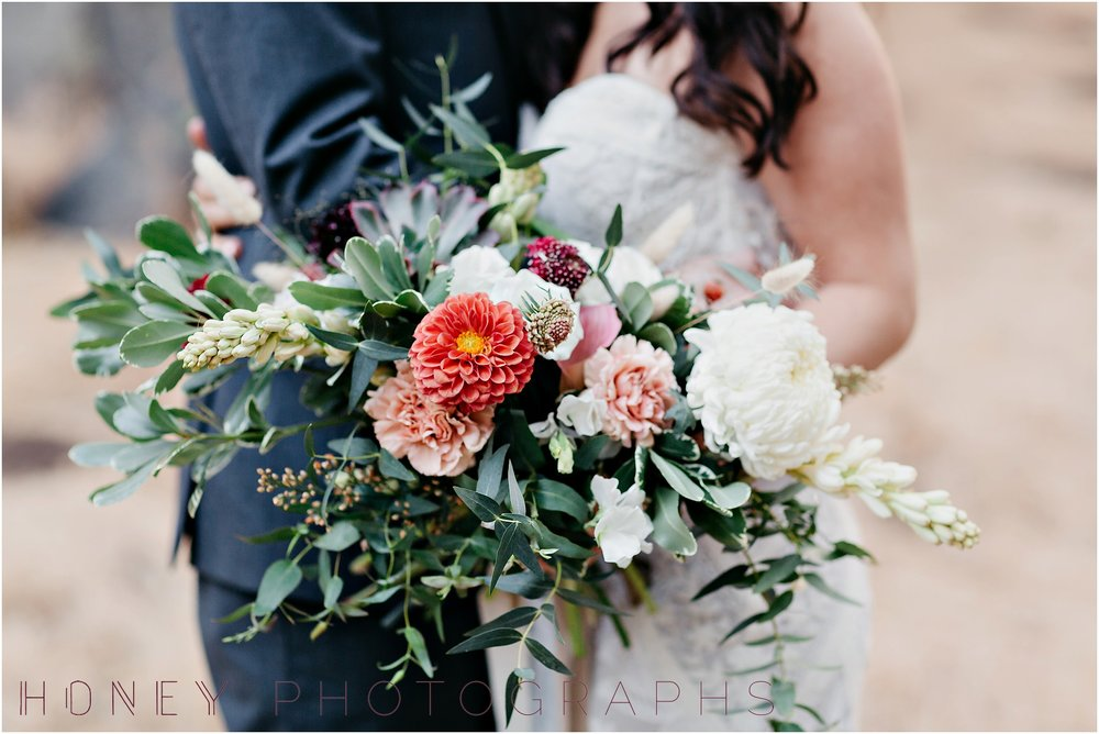 picnic-wedding-rustic-sweetheart-table-felicita-park-boho24.jpg