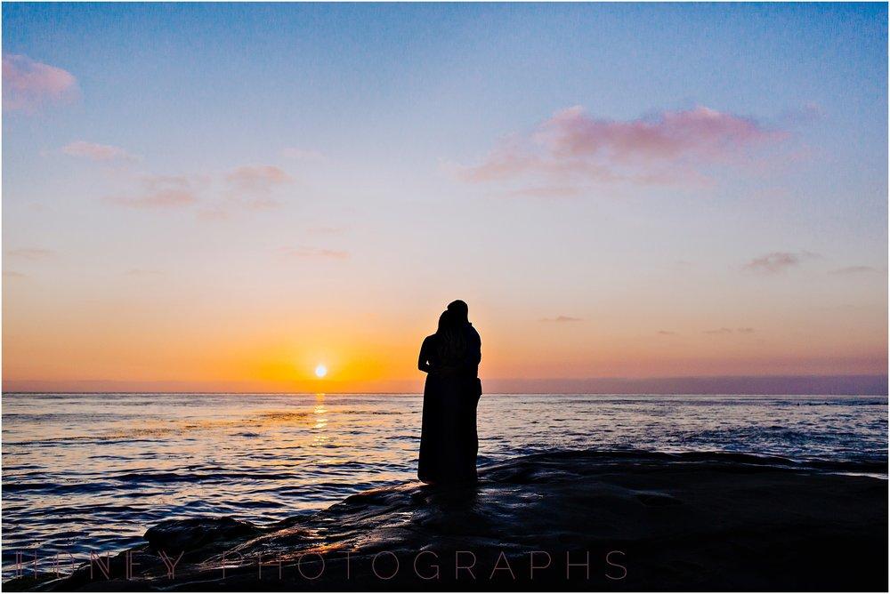 beach_sunset_splash_ocean_la_jolla_windandsea_engagement031.jpg