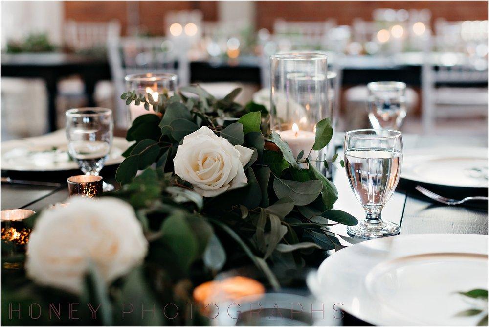brick_warehouse_liberty_station_urban_classic_wedding040.jpg